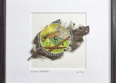 Mixed Media, Kunst, Tagtraum eines Blattes, Walnussblatt, Acrylfarbe, Bambus, Gesangbuch