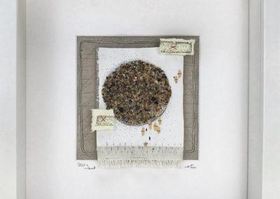 Reis, Sand, Kreisform, Pigmentliner, Nähgarn auf Leinwand